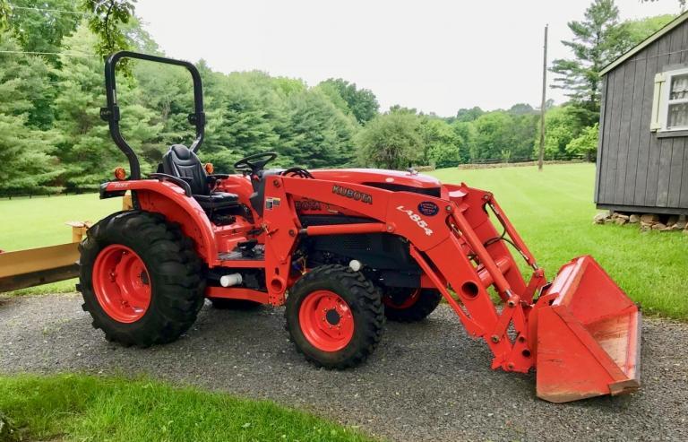 Kubota 4740 Tractor, 4wd, Loader, 325 hours - 1