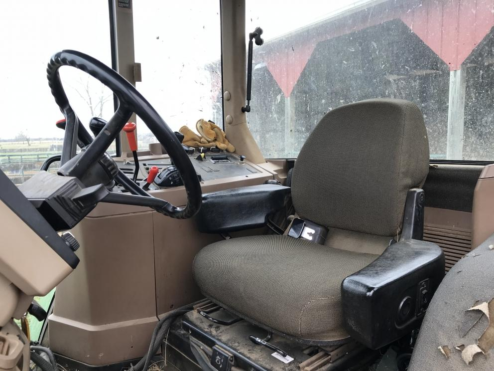 John Deere 7210 tractor, cab