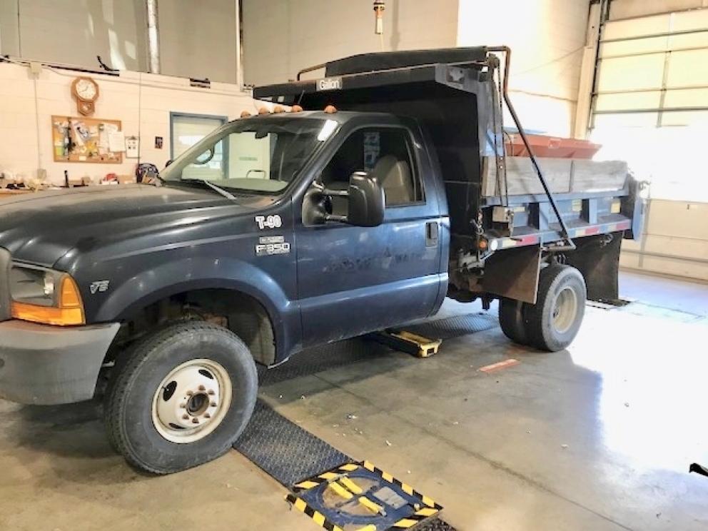 1999 Ford F-350 Superduty 4x4 Dump Truck, 22,406 Miles - 2