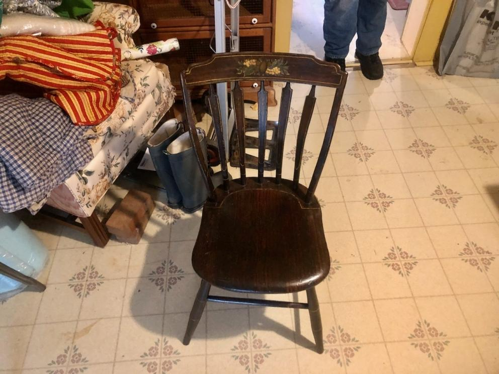 Plank bottom chair