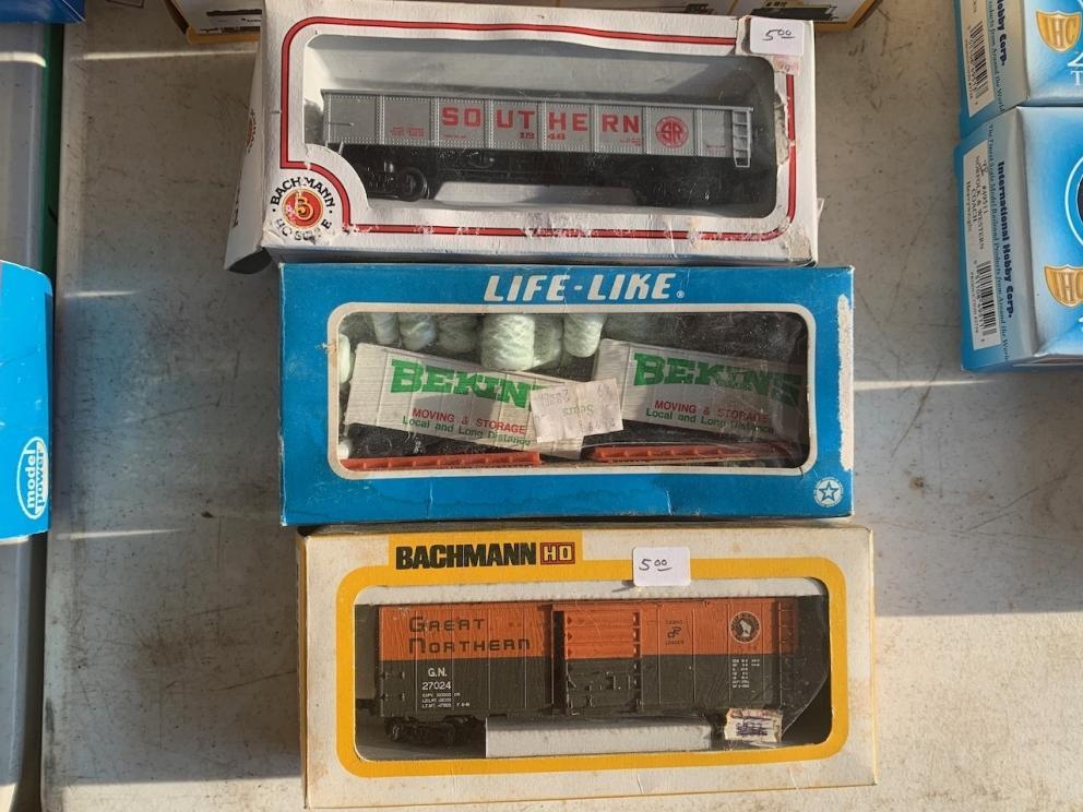 Bachmann Models: Southern coal car and box car, Life-Like Bekins moving and storage