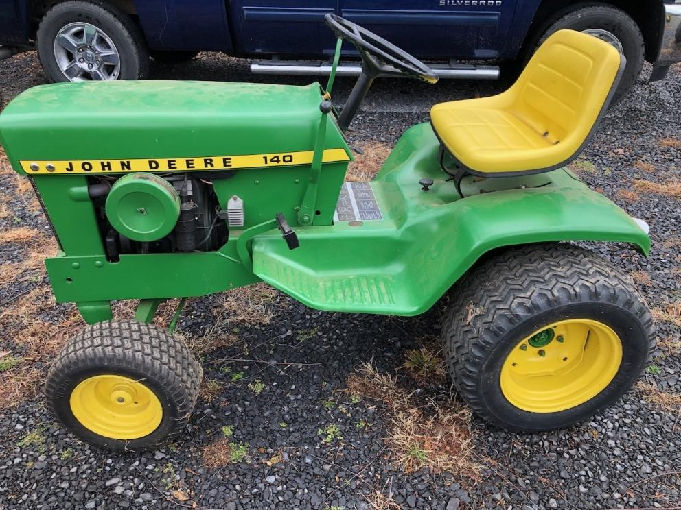 JD 140 Tractor