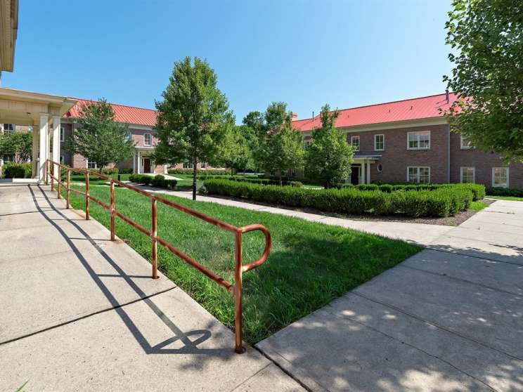 005 courtyard