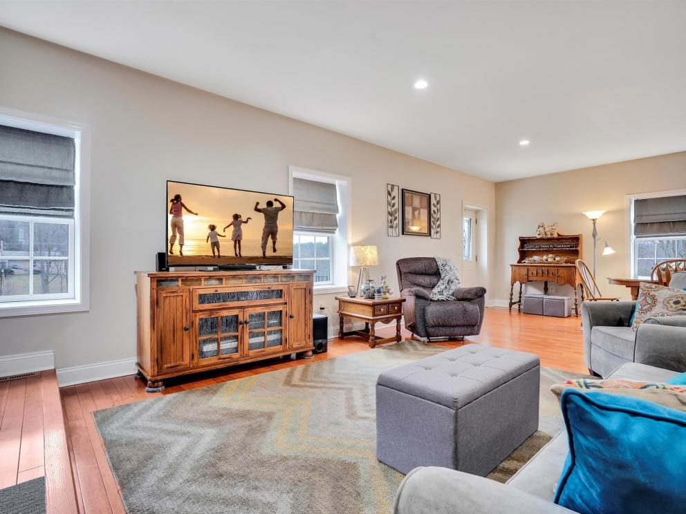 13-living room
