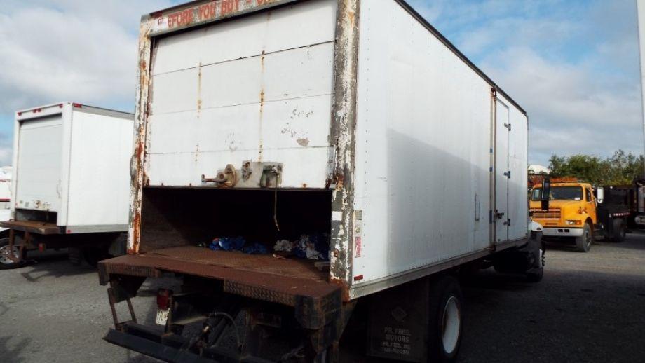 Image for 2002 International 4300 24' Box Truck
