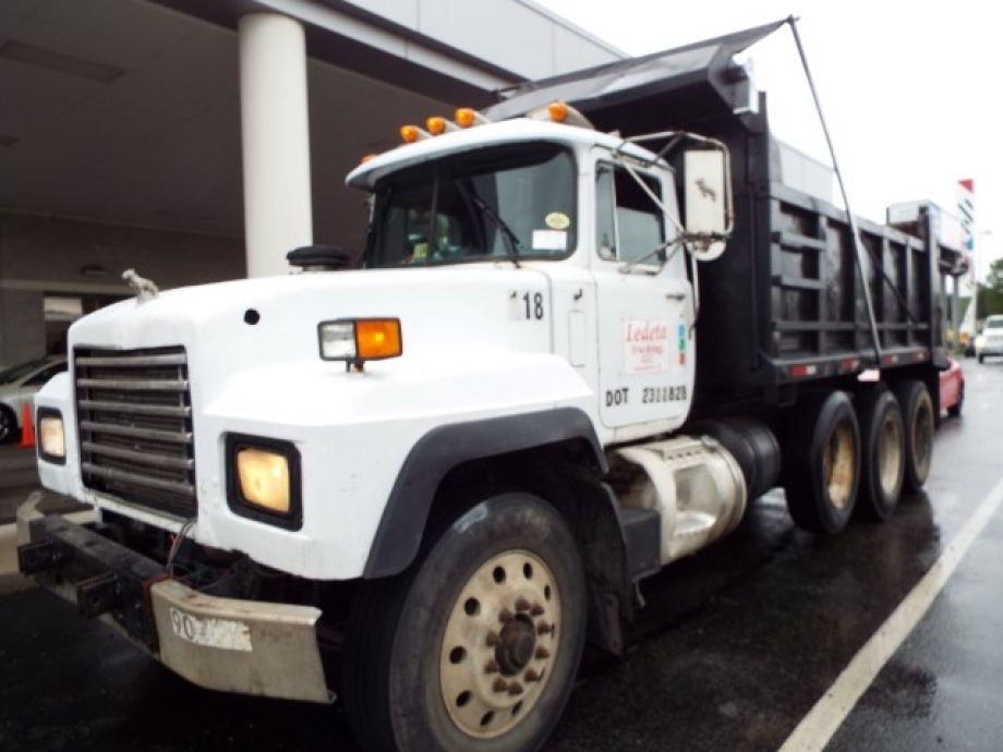 Image for 1999 Mack RD 688S 15' Tri-Axle Dump Truck