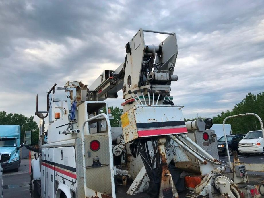 Image for 2005 GMC C8500 Digger Derrick | Diesel Engine | Includes Auger and Tool Box