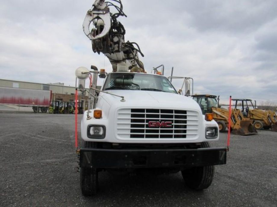 Image for 2002 GMC C7500 S/A Digger Derrick Truck