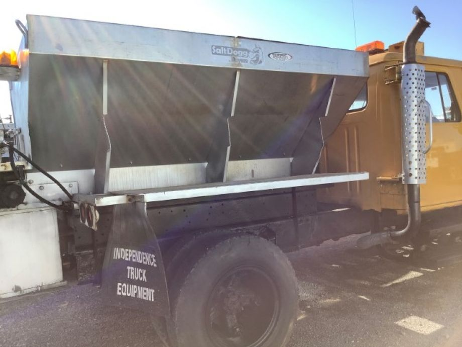 Image for 1994 International 4600 S/A Plow Truck | 8 Cylinder Diesel | Low Miles
