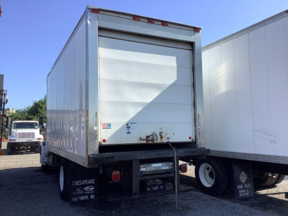 Image for 2006 Sterling 20' S/A Refrigerated Box Truck | Cat C7 Accert 6 Cylinder Diesel Engine | 124K Miles