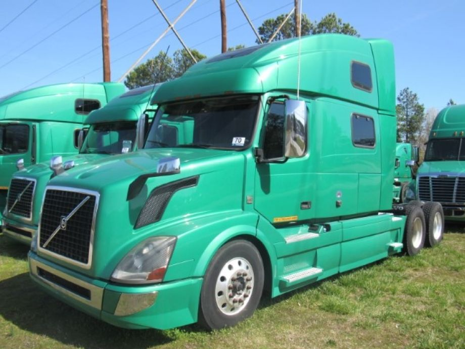 Image for EXTREMELY WELL-MAINTAINED! (14) 2011 - 2016 Volvo T/A Sleeper Cab Road Tractors