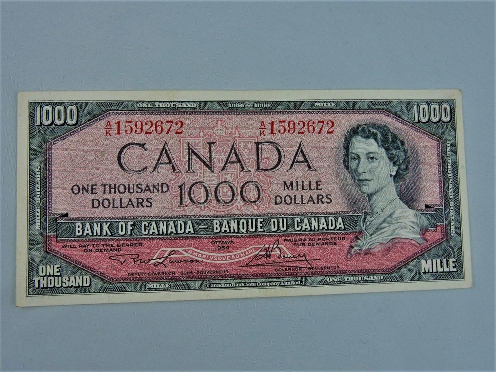 Uncirculated Canadian Two $1000 in Sequence