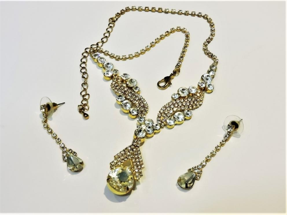"""SELL OFF FASHION JEWELRY"" RETAIL INVENTORY CLEAR OUT"